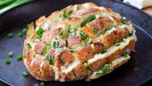 Bukë me djathë dhe hudhra