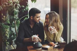 Sekretet që ju ndihmojnë të bëni përshtypje të mirë në takime
